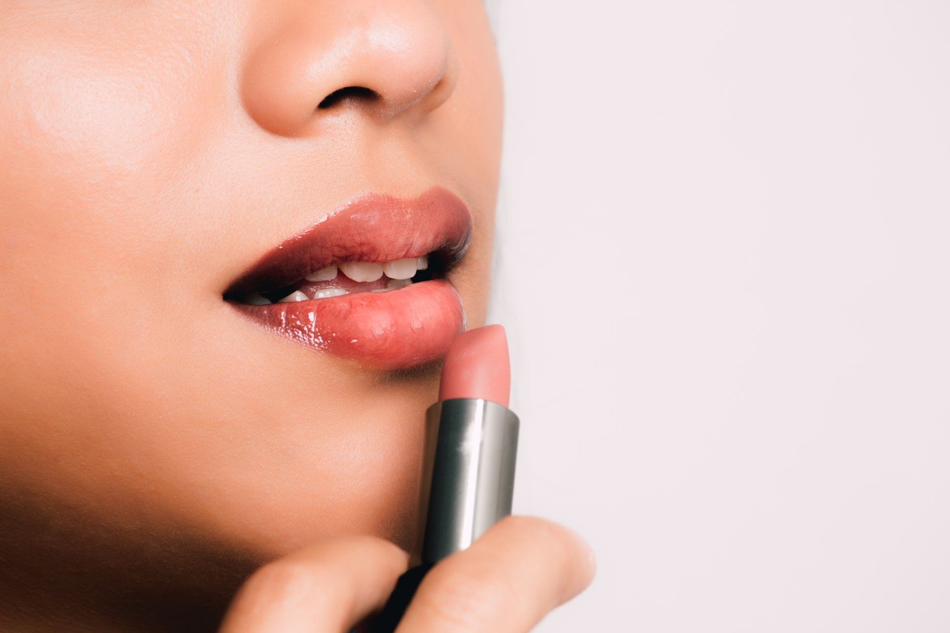 Summer Lip Care: How to Protect your Lips from Sun Damage